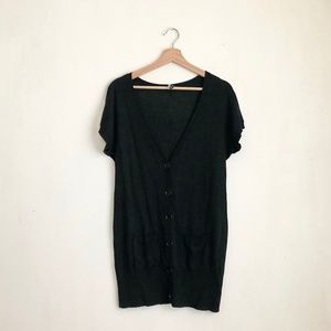 takeout cardigan buttoned down black blouse L